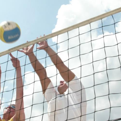 Beachvolleyball im ARAMIS - lernen Sie Ihre Kollegen besser kennen