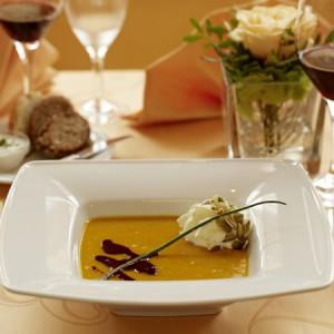 Romantisches Candle-Light-Dinner - Liebe geht durch den Magen