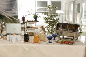 Genießen Sie das umfangreiche Frühstückbuffet im ARAMIS